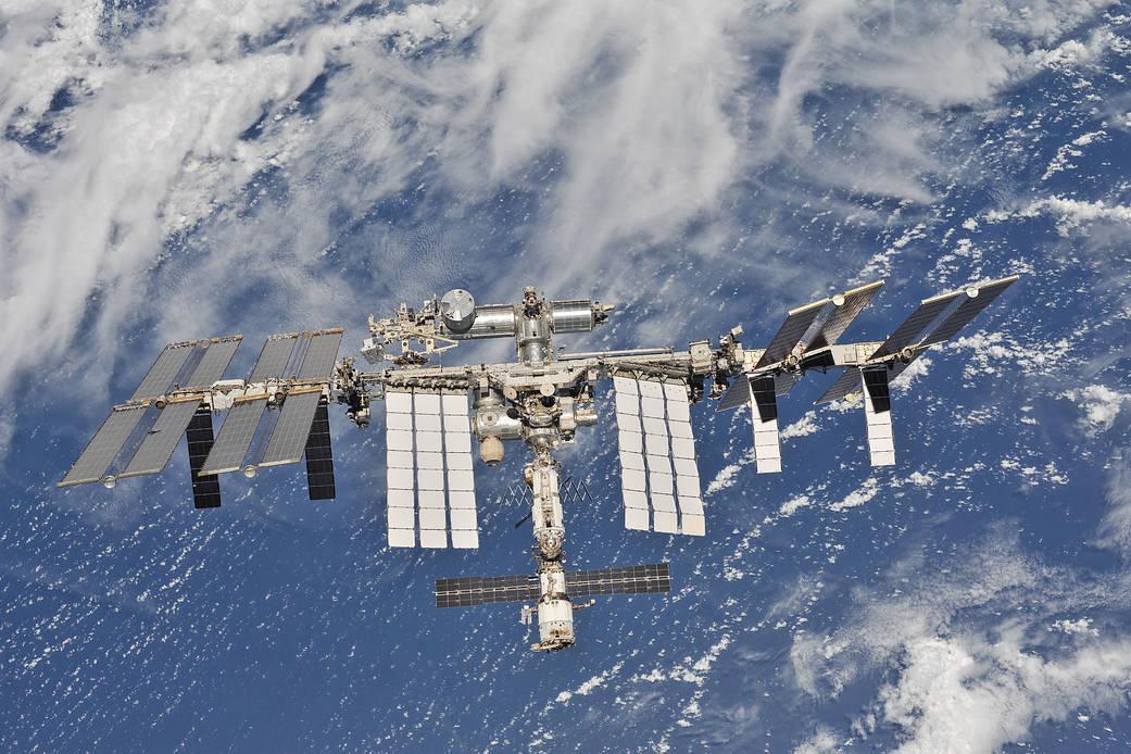 SpaceX Crew Dragon успешно пристыковался к МКС (nasaiss)