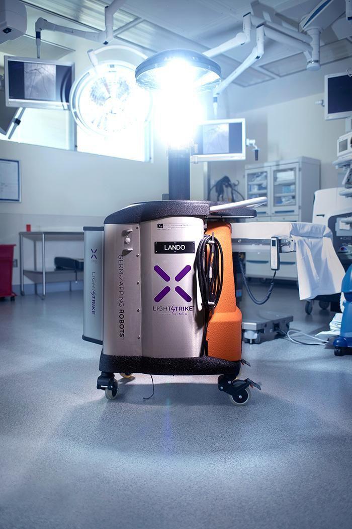 Робот UV Light может уничтожить коронавирус всего за 2 минуты (or photo new)