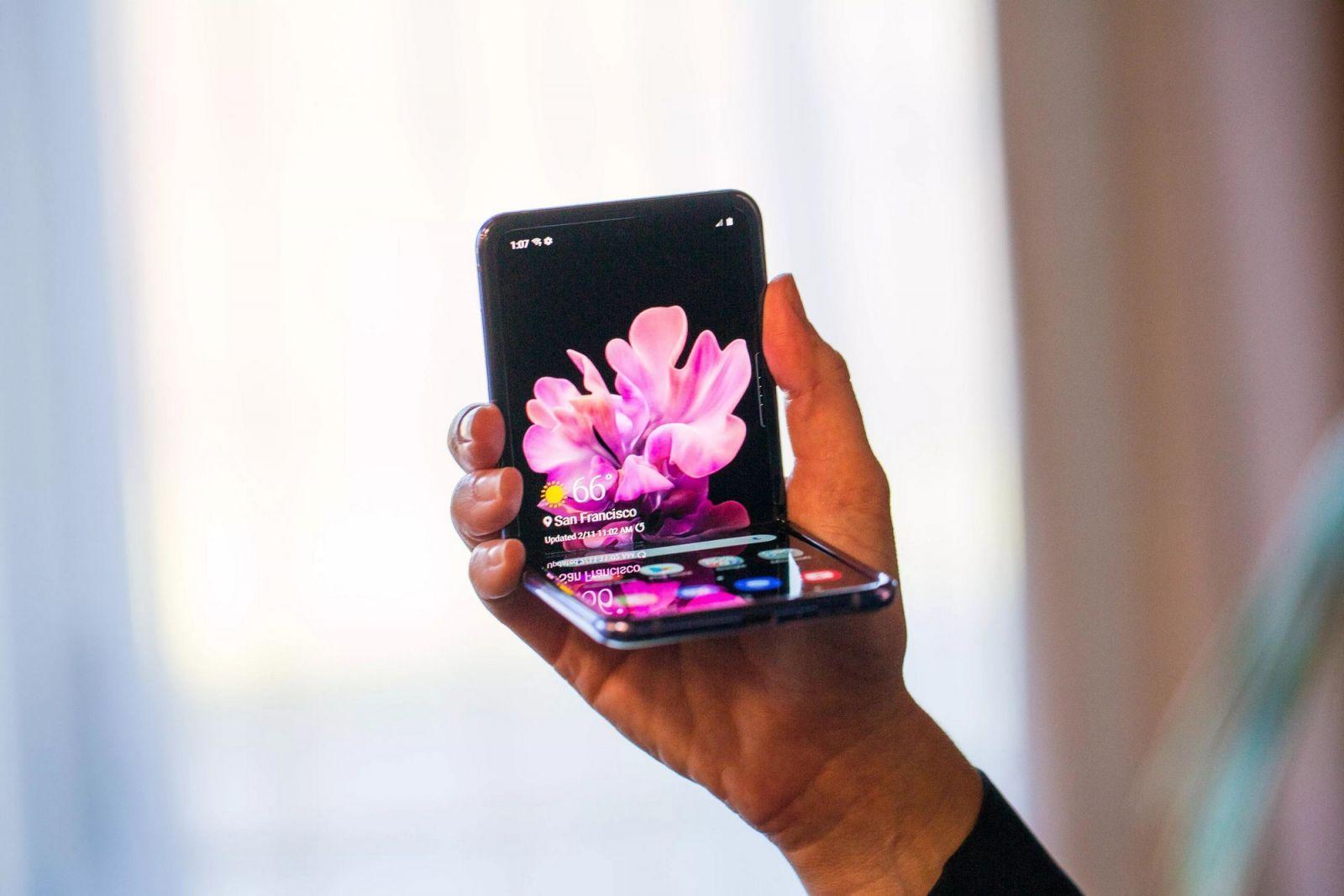 Samsung запатентовала три разных покрытия экрана (samsung unpacked z flip 8964 large)