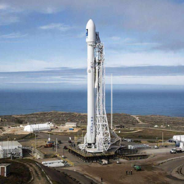 SpaceX рассказала о программной начинке ракеты Falcon 9 (2016 falcon 9 at vandenberg air force base scaled 1)