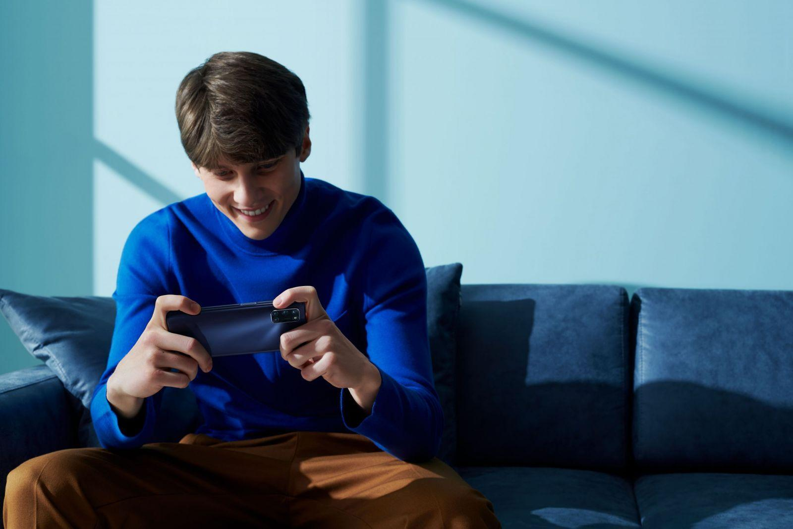 OPPO выпустила недорогой смартфон OPPO A72 с мощным аккумулятором (a72 scenario pictures 3 scaled)