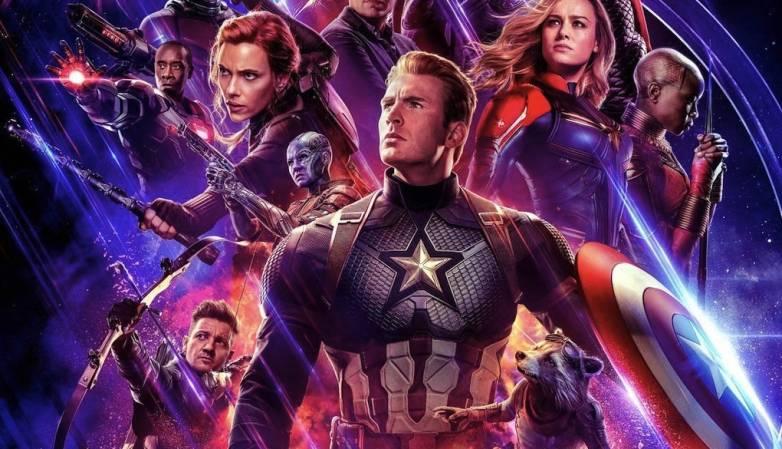 Крис Эванс больше не будет играть Капитана Америку (avengers endgame poster bottom half)