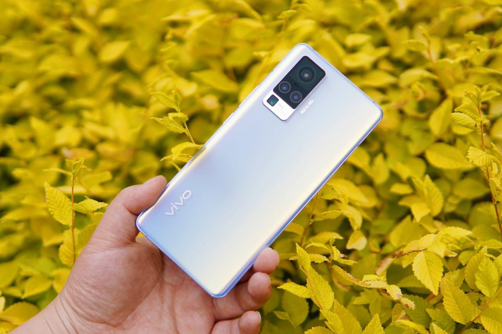 Смартфон Vivo X50 поступит в продажу 6 июня ()