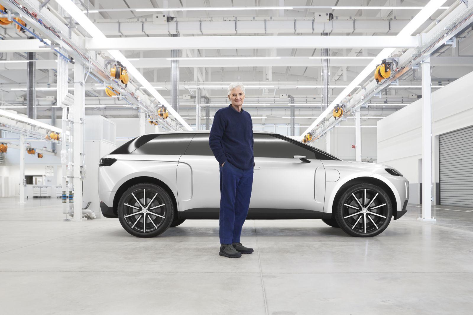 Dyson показал новые фото и видео своего внедорожника (james dyson and car)