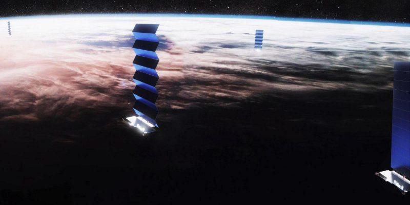 SpaceX готовится к тестированию сетей Starlink (starlink solar array deploy spacex pano 3 crop 2 large)