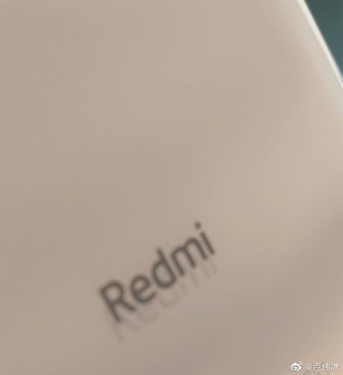 Генеральный директор Redmi опубликовал фото неизвестного смартфона (70cf98bcly1ggqby9jlyrj20u00wrt9q)