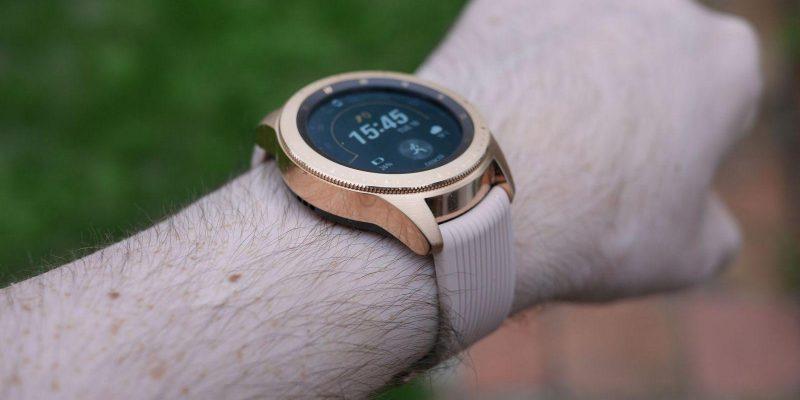Всё, что нужно знать о Samsung Galaxy Watch 3 (samsung galaxy watch review the best smartwatch for android users scaled 1)