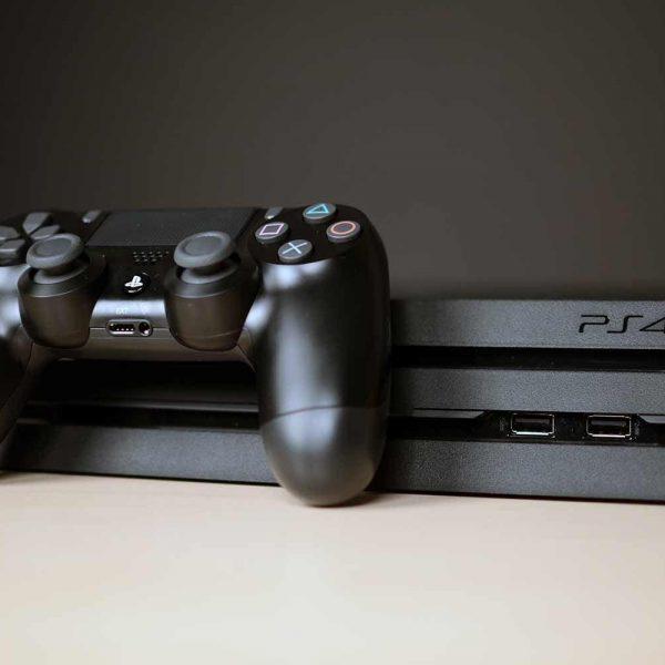 Спрос на игровые консоли в России вырос на 300% (sony playstation 4 pro 0011)