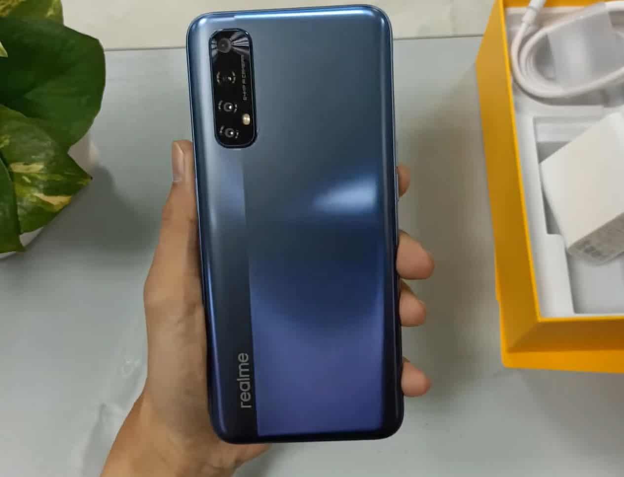 В сеть утекли подробные характеристики и изображения смартфона Realme 7 (egko 6pu0aeljdo)