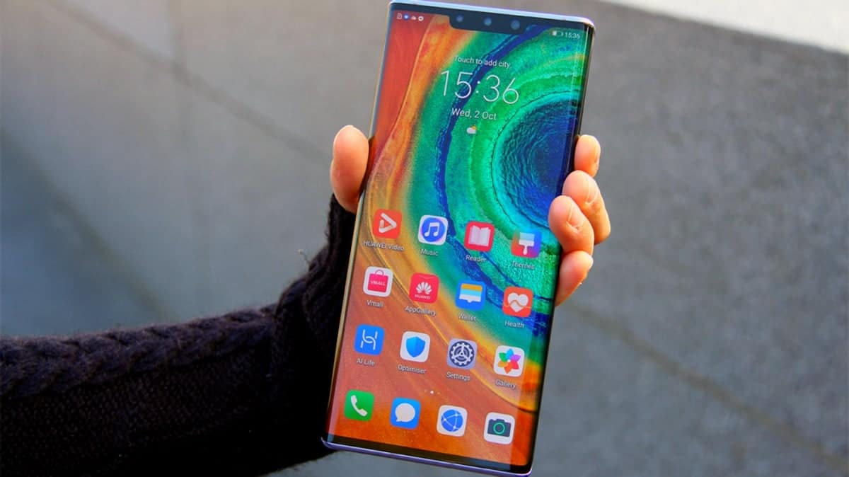 Huawei планирует выпустить смартфон не на базе Android до конца года (huaweimate30pro)