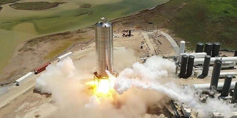 SpaceX только что запустил полноразмерный прототип Starship над Техассом. (spacex just launched a full size starship rocket ship prototype hundreds of feet above south texas)