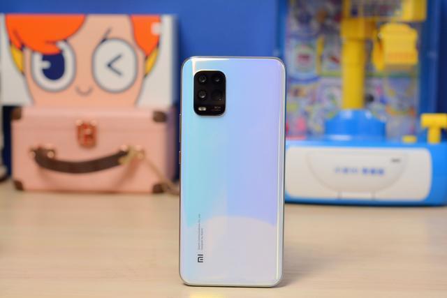 Xiaomi выпустит смартфон Mi 10 Youth Doraemon Edition в честь 50-летия робота-кота (xiaomi mi 10 youth 5g raspakovka kartinki soblaznitelnaya krasota 5eac5e655a8aa)