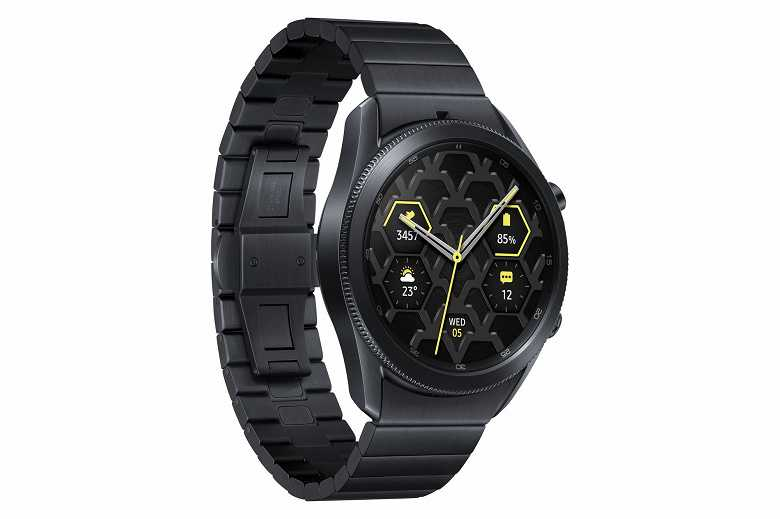 Samsung выпустила титановые Galaxy Watch 3 ()