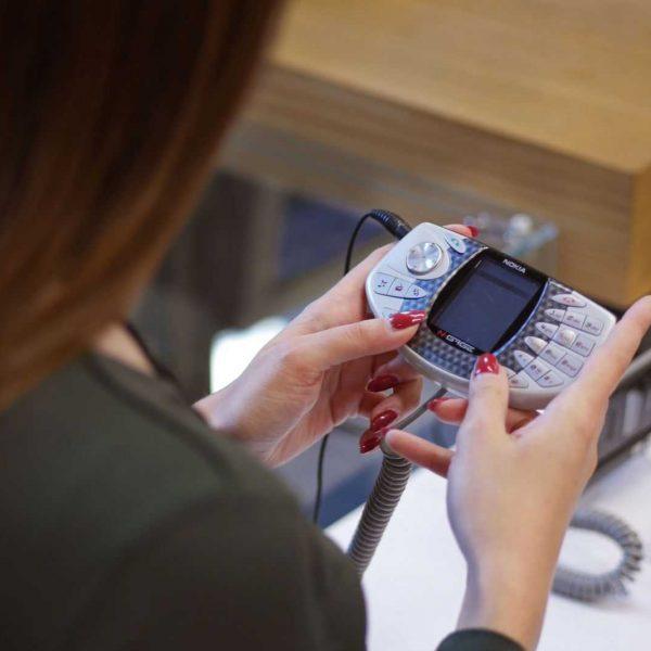 Яндекс Маркет открыл выставку смартфонов в музее Яндекса в Москве (04 vystavka market scaled 1)