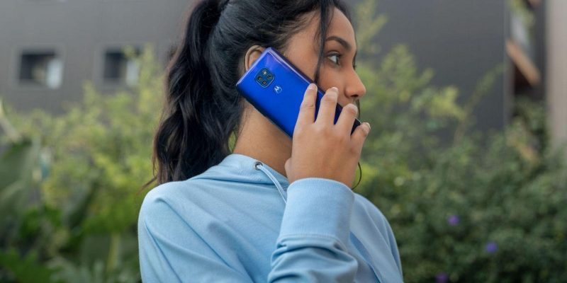 Motorola анонсирует старт продаж и российские цены смартфона moto g9 play (2020 moto g9 play galleryshoot shootbyprofessionalcamera 26 scaled 1)