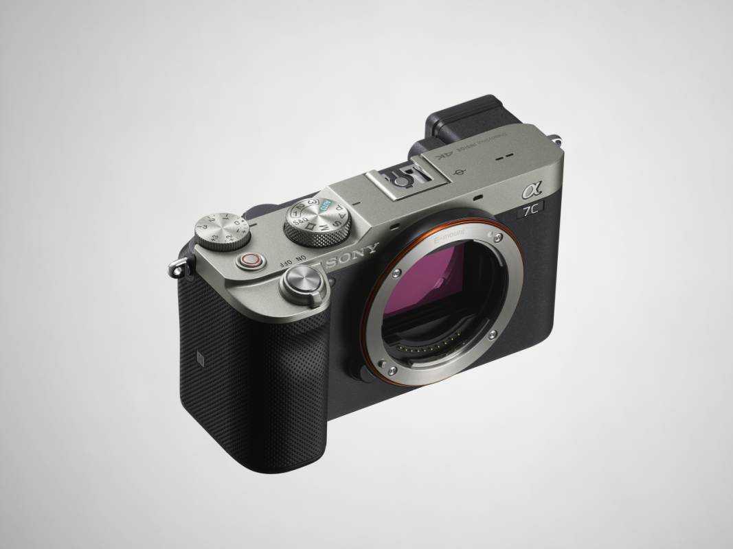 Sony Alpha 7C претендует на звание самой маленькой полнокадровой камеры в мире (alpha 7c image 02 1067x800 1)