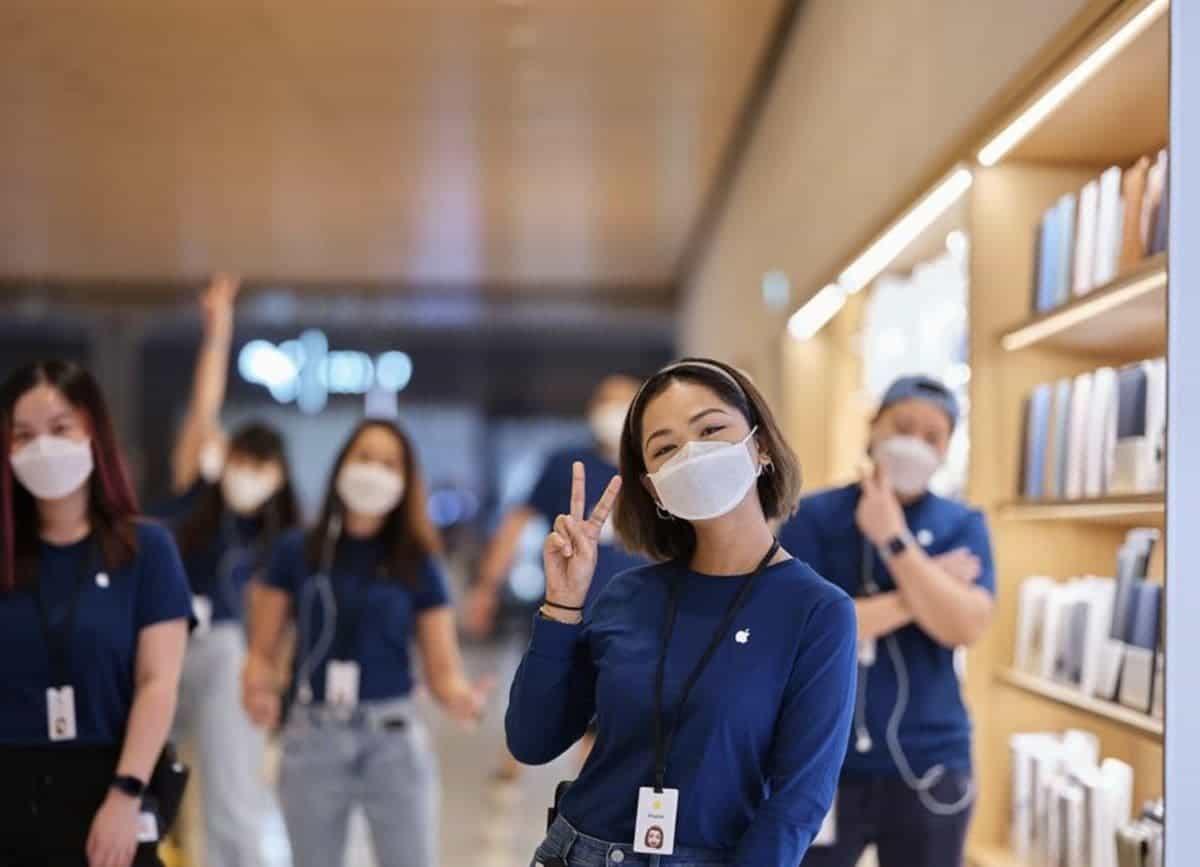 Apple разработала специальные маски для своих сотрудников (apple covid mask 5)