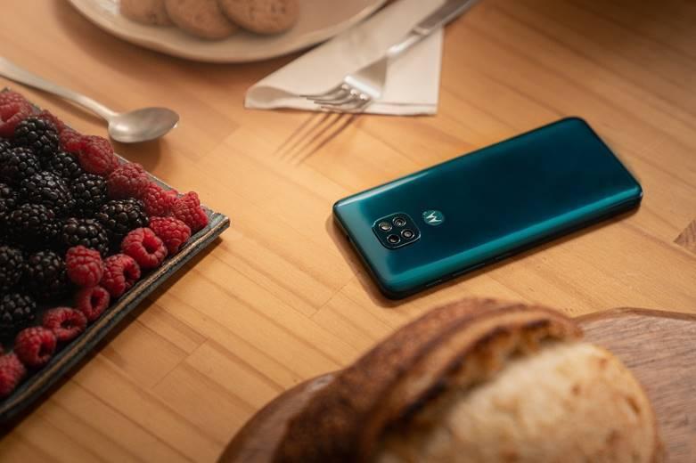 Motorola анонсирует старт продаж и российские цены смартфона moto g9 play (image004)