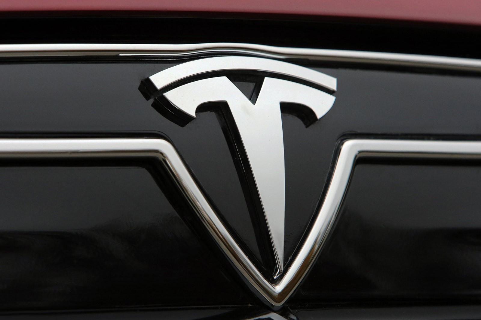 Россиянину, пытавшемуся взломать Tesla, грозит 5 лет тюрьмы