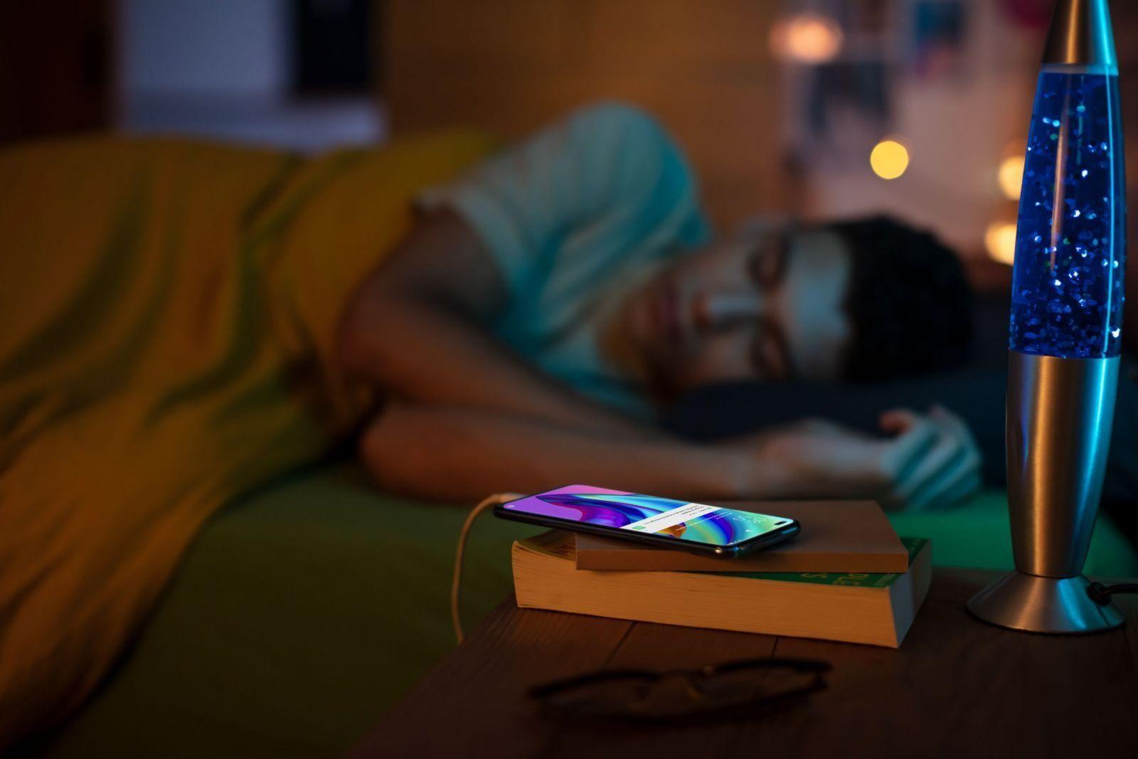Oppo выпустил Reno4 Lite и Reno4 Pro 5G — первый 5G-смартфон OPPO в России (夜间充电AI Night Charging 1 scaled)