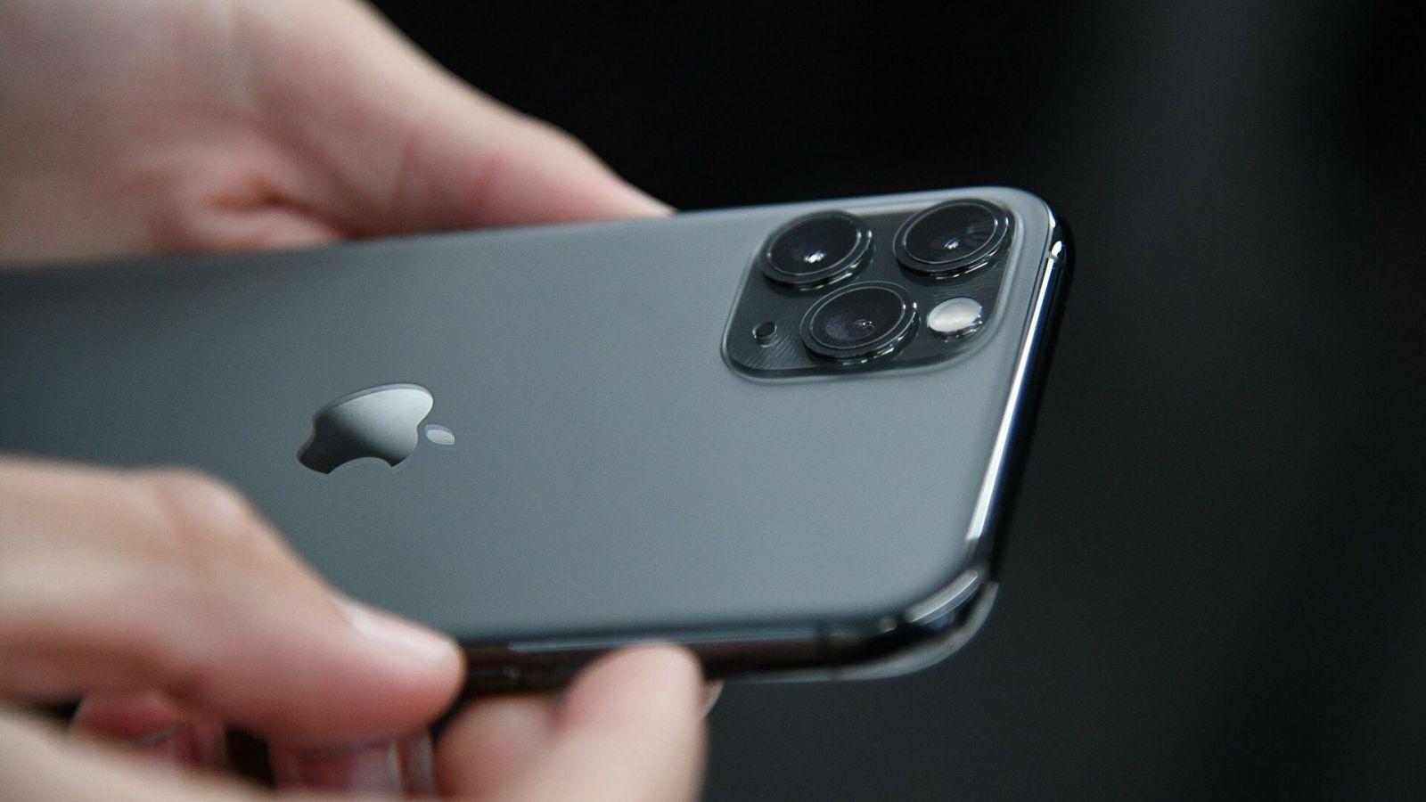 Слухи: Apple iPhone 12 получит сканер отпечатков пальцев сбоку ()