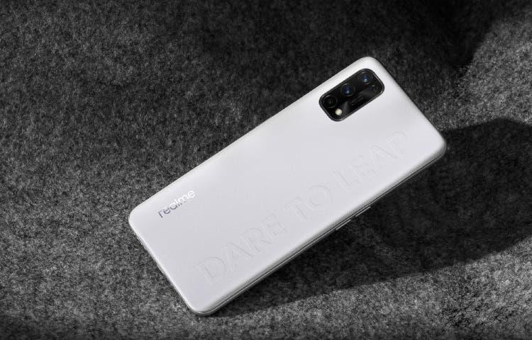 В сеть слили характеристики и дизайн смартфона Realme Q2 Pro (2 4)