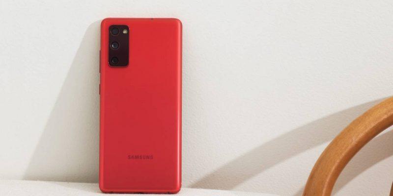 Samsung Galaxy S20 FE можно купить со скидкой 50% (Galaxy S20 FE Cloud Red 1 1280x720 1)