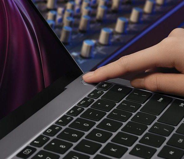 Флагманский ноутбук HUAWEI MateBook X поступает в продажу в России (MKT MateBookXPro CreativeShoot Grey Fingerprint JPG 20200402 large)