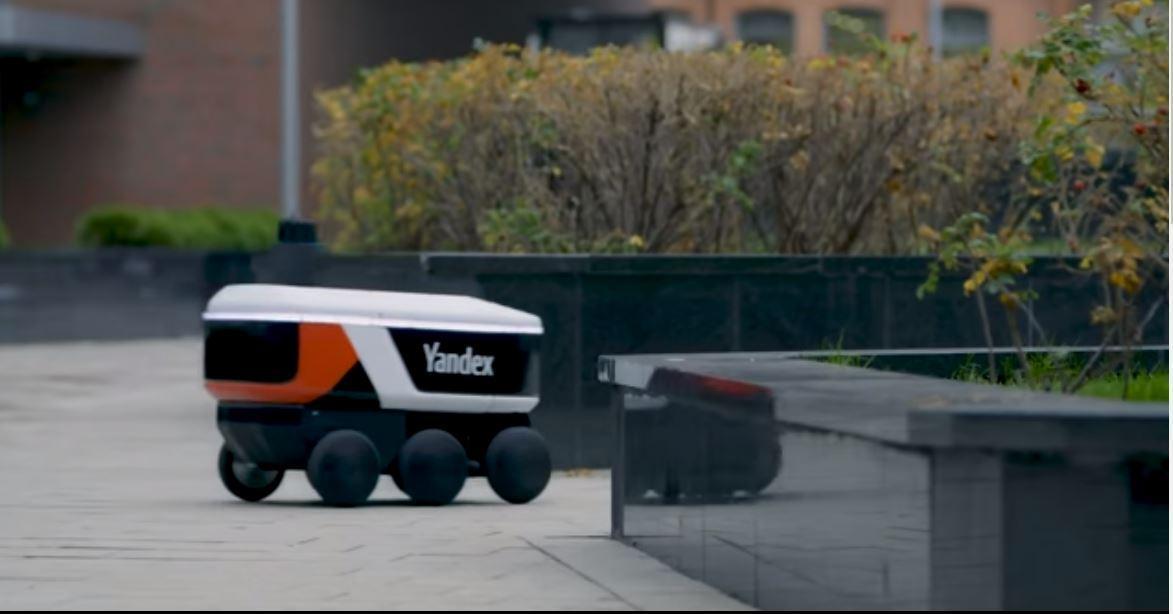 Яндекс.Лавка будет доставлять продукты с помощью роботов (YAndeks Rover)