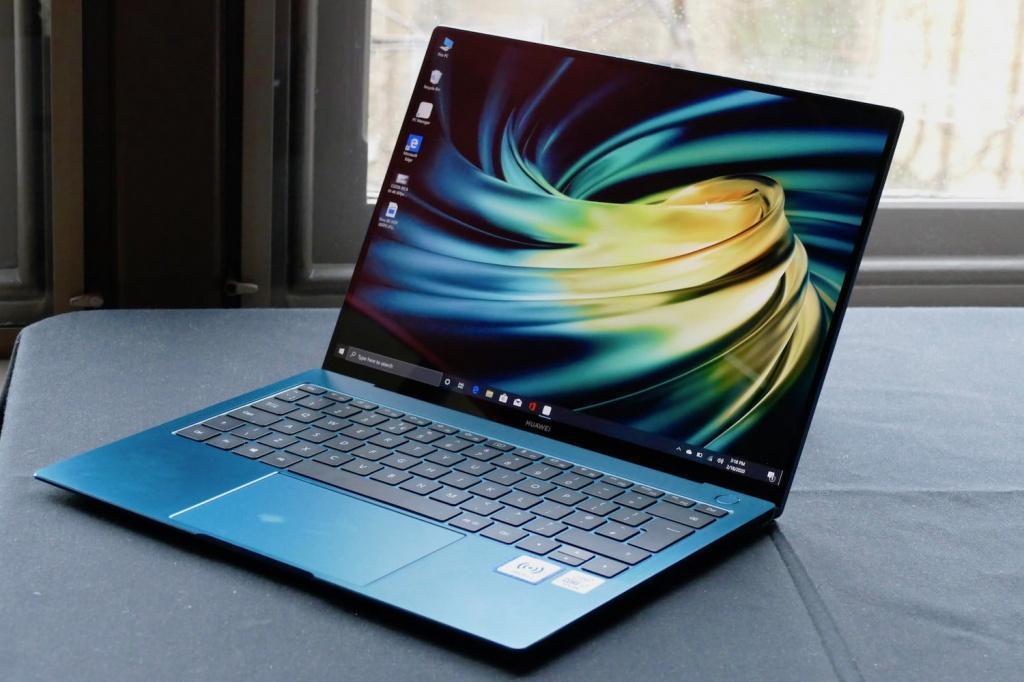 Флагманский ноутбук HUAWEI MateBook X поступает в продажу в России (fefa3b9b4ad6ea1dd5b65016d19b8ca7)