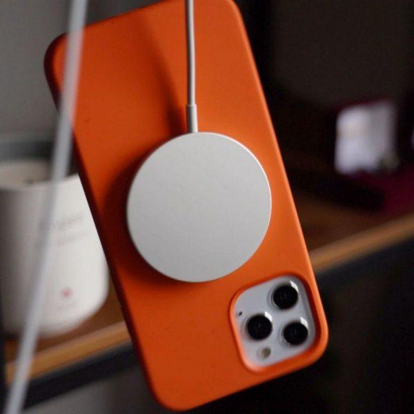 MagSafe для iPhone 12 совместим и с Android-смартфонами (magsafecasedangle scaled 1)