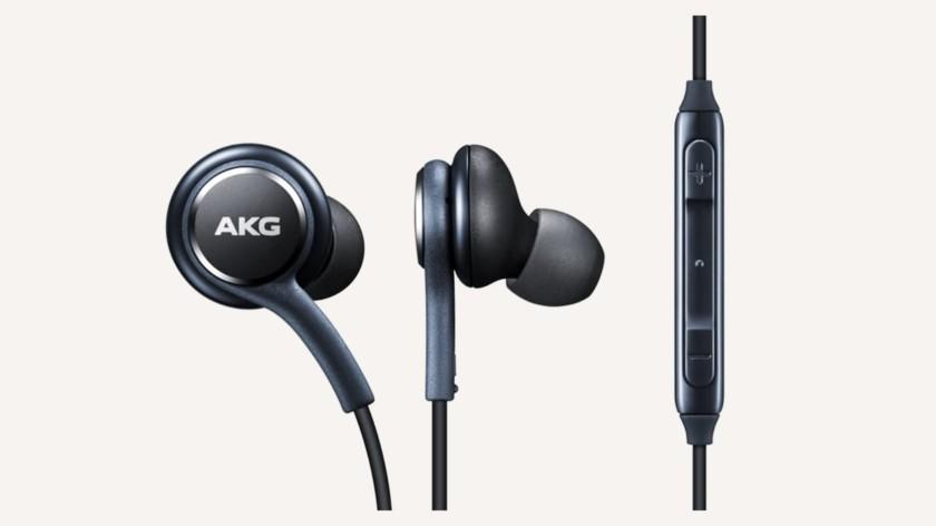В Galaxy S30 не будет наушников и зарядки (samsung galaxy s9 plus earphones akg 840x472 1)