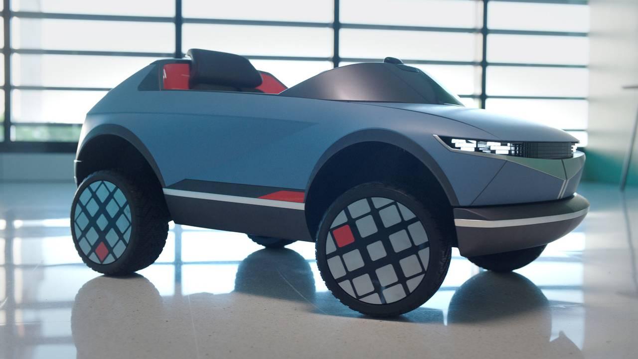 Hyundai выпустила электромобиль для детей (1)