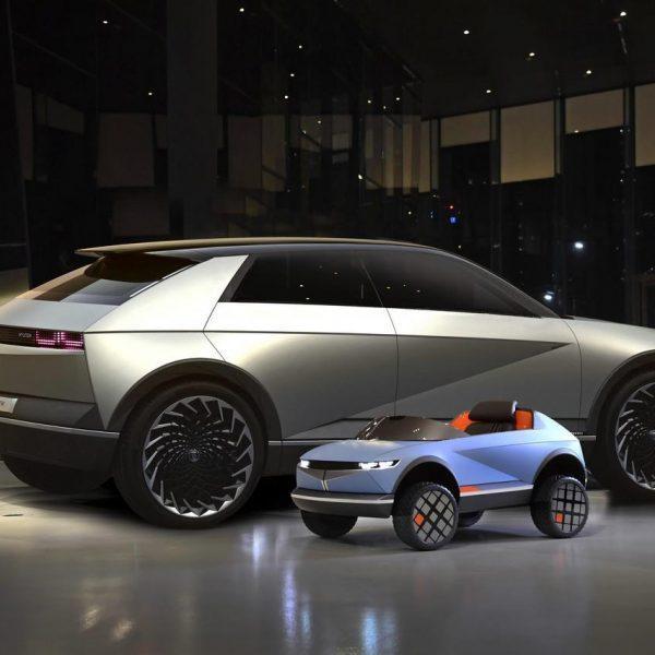 Hyundai выпустила электромобиль для детей (Large 43570 SizeMattersHyundaiMotorsSmallestEVRevealed)