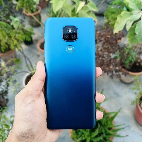 Motorola представила недорогой смартфон Moto E7 (Moto E7 Plus Review India 8)