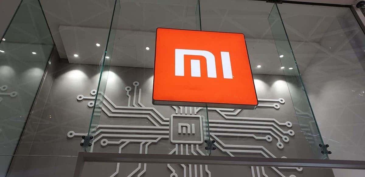 Xiaomi наймёт рекордное количество инженеров, несмотря на пандемию (Xiaomi Mi Store UK)