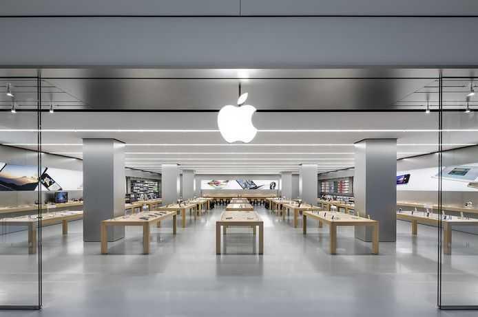 Apple заплатит крупную сумму по иску о замедлении работы iPhone (apple store)