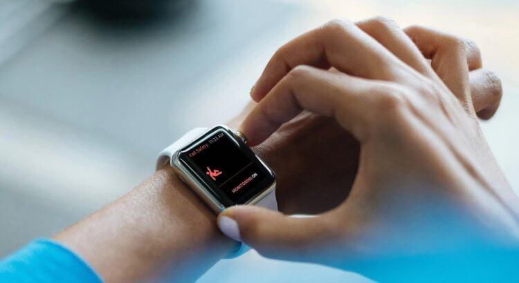 ТОП-5 полезных для здоровья гаджетов (apple watch fall detection dete 750x410 1)