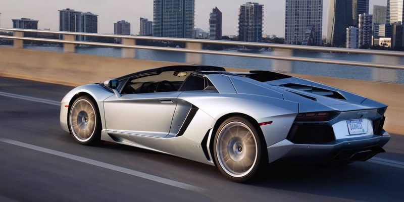 Lamborghini Aventador может получить гибридный V12 (aventador roadster facebook og)
