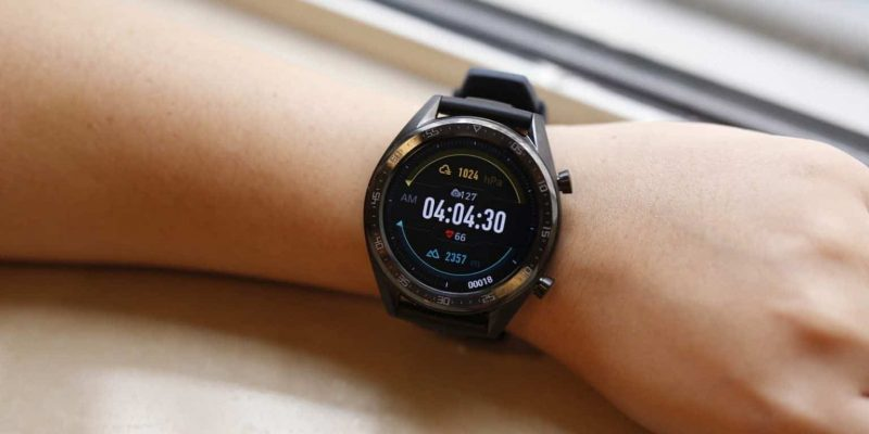 Huawei Watch GT 2 Pro научатся делать ЭКГ (huawei watch gt 2e tanitildi e1585269649313 1536x960 large)