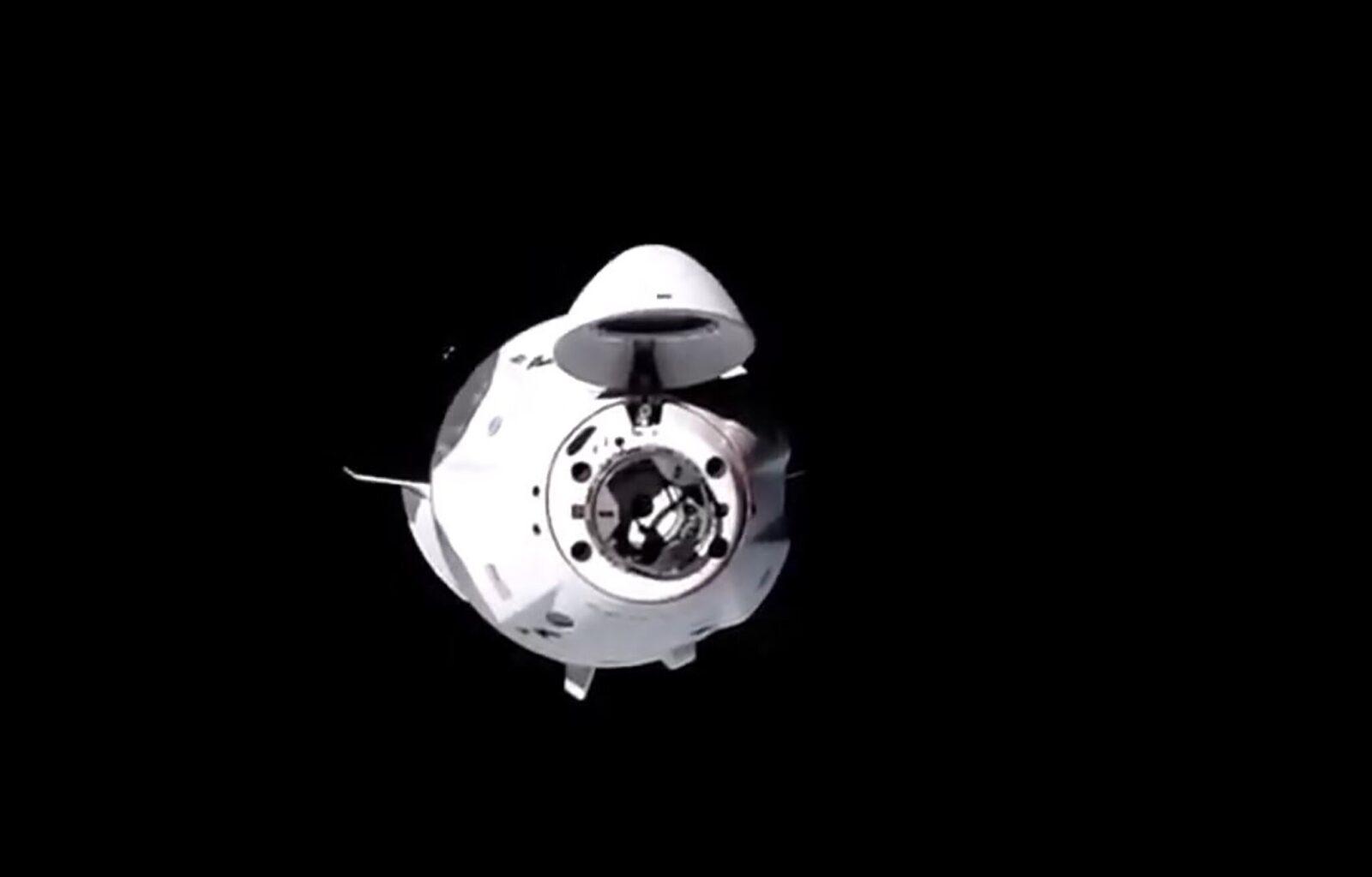 SpaceX пристыковался к Международной космической станции (merlin 180119259 7a6509f8 bf69 42e6 ba7e 982e4d43f3dd superJumbo)