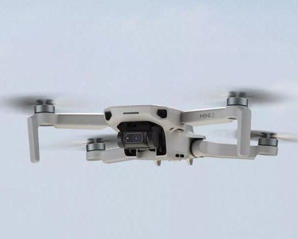 Выпущен дрон DJI Mini 2. Он может снимать 4К-видео (mini3 large)