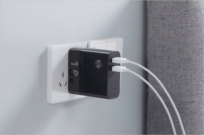 ZMI выпустила необычный зарядный гаджет 2-в-1 (zmi charger powerbank 2 1)