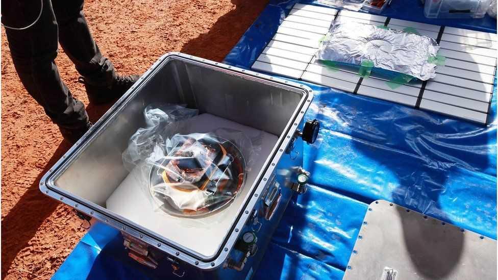 Японский космический аппарат доставил на Землю образцы астероида Рюгу (123)