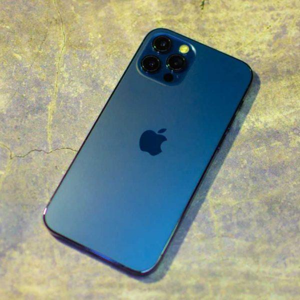 Что можно купить вместо новенького Apple iPhone 12 Pro Max (DSC 9886 Edit)
