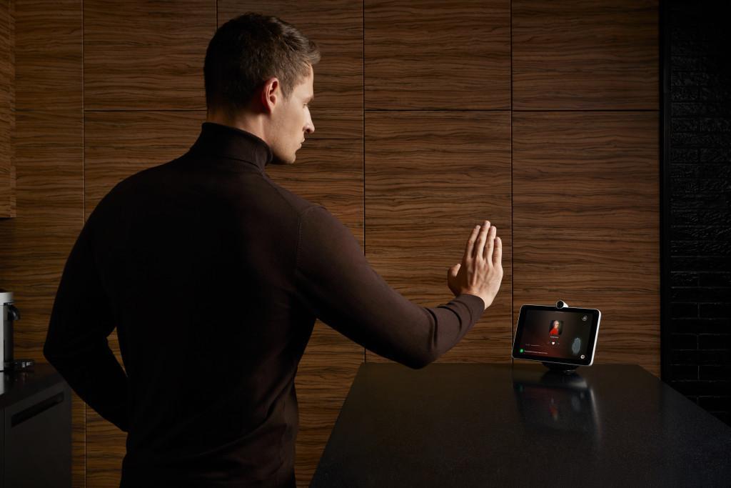 Сбер запустил продажи SberPortal, умного экрана с ассистентами (ZxCP A7TRiA)