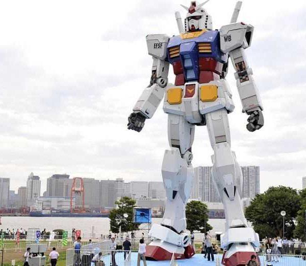 Японцы построили 18-метрового робота для оживления туризма (fngundame 2x)