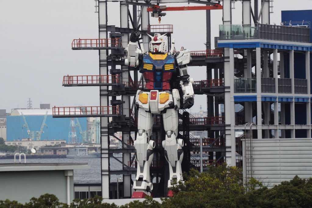Японцы построили 18-метрового робота для оживления туризма (japan robot 1)