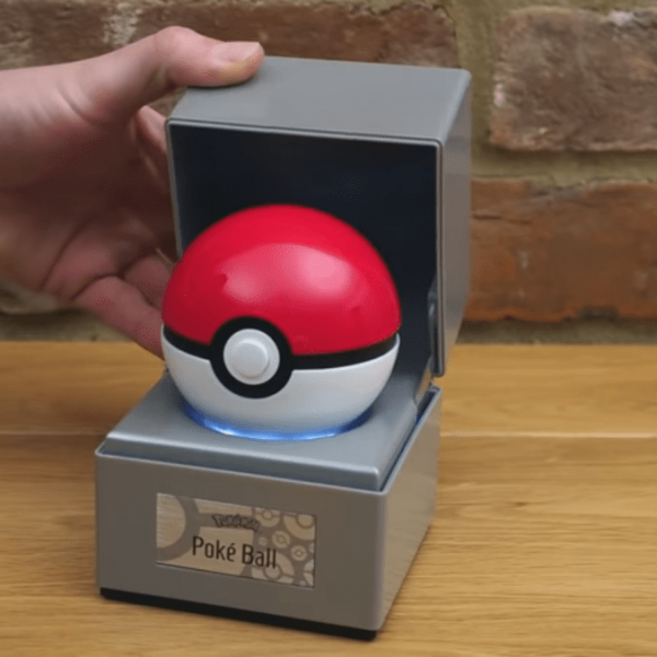 Pokemon создают реплику Покебола, но его нельзя бросать (wand company poke ball)