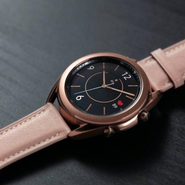 Функции измерения артериального давления и ЭКГ на Galaxy Watch3 и Galaxy Watch Active2 стали доступны в России (galaxy watch3 mystic bronze close up lifestyle 1280x720 1)